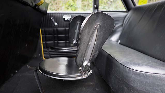 Taxi USA Checker Cab