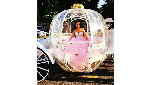 Horse Drawn Cinderella Glass Carriage