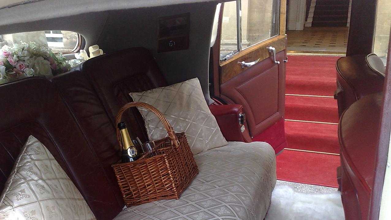 Bentley MK VI Hooper