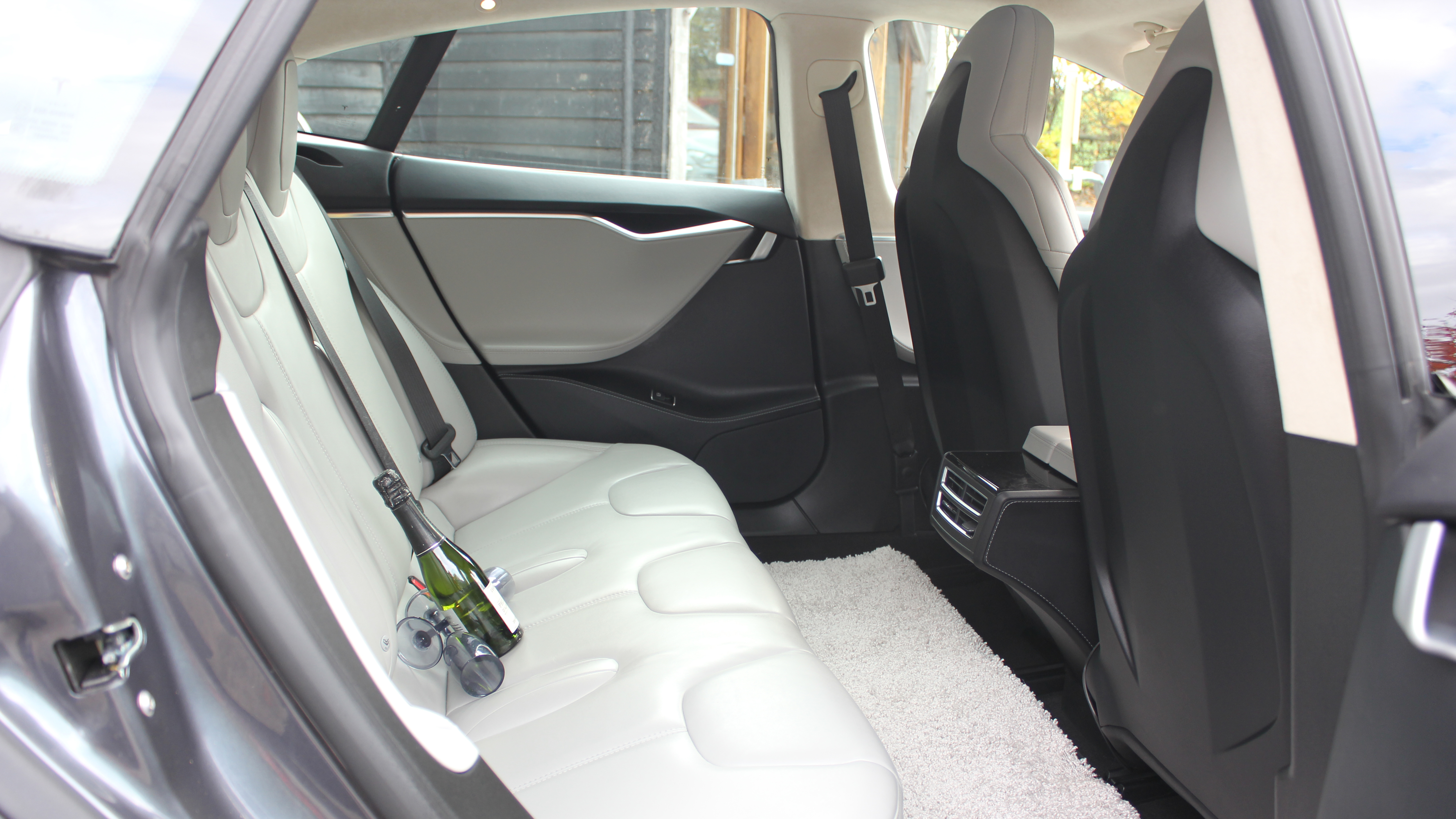 Tesla 'S' 85D