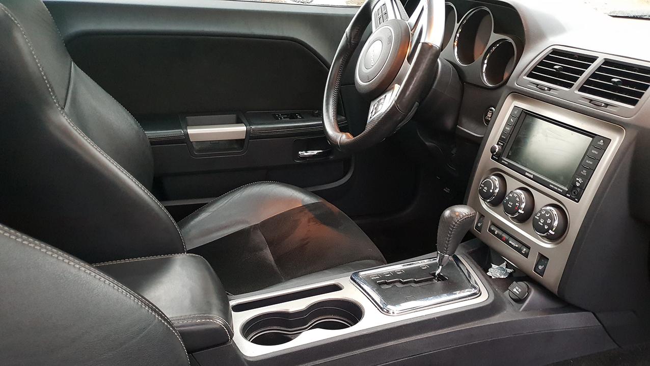 Dodge Challenger 6.4L SRT
