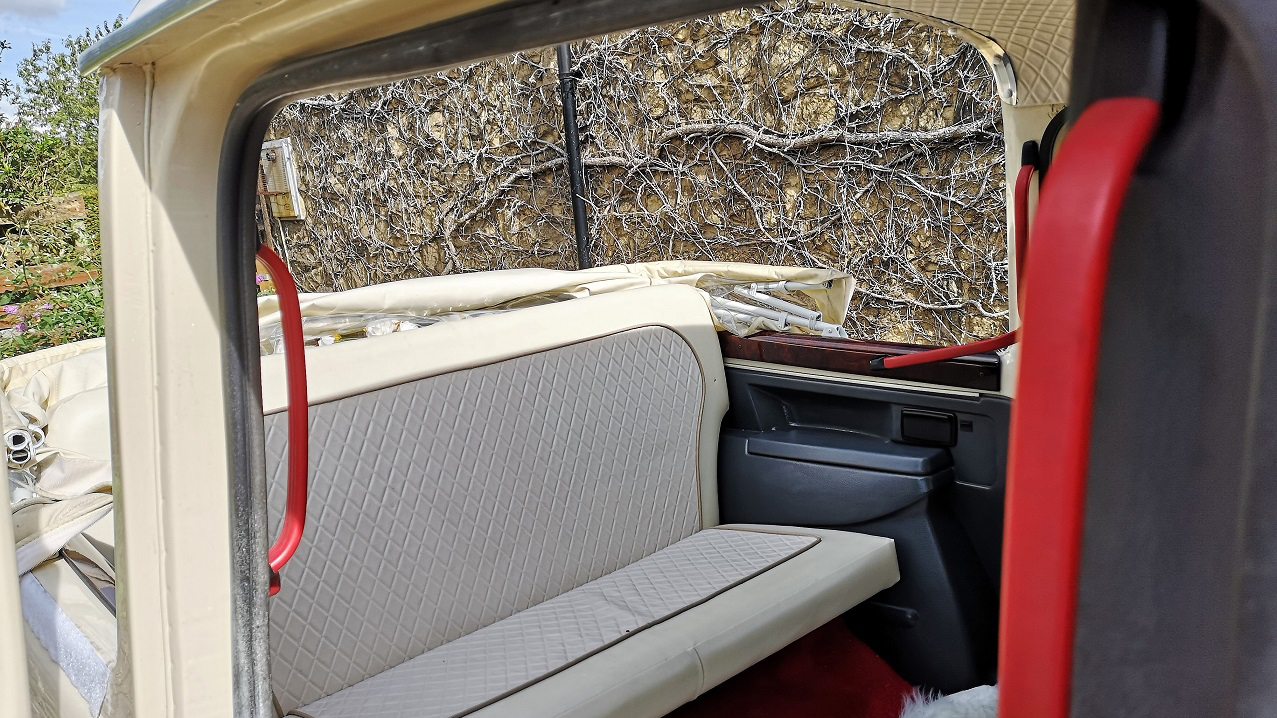 Taxi Cab Landaulette