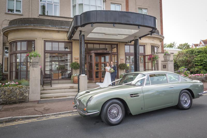 Aston Martin DB6 - Review