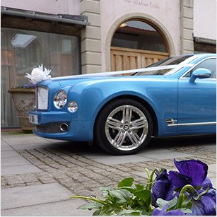 Modern wedding cars for hire in Devon