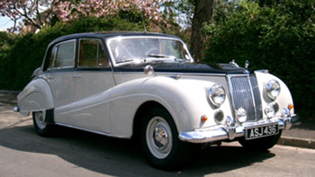 Armstrong-Siddeley Star Sapphire wedding car for hire in Portsmouth, Hampshire