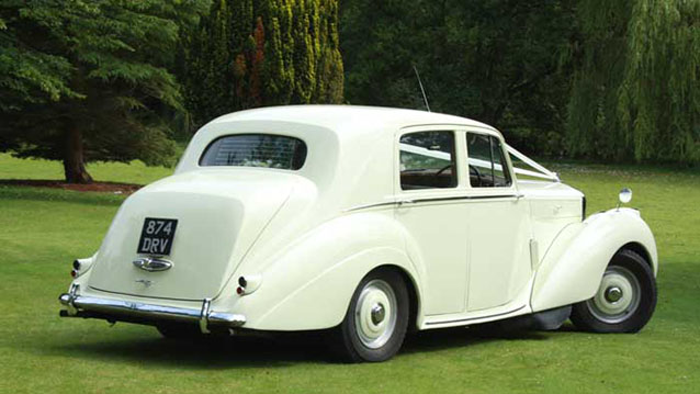 Bentley 'R' Type wedding car for hire in Winchester, Hampshire
