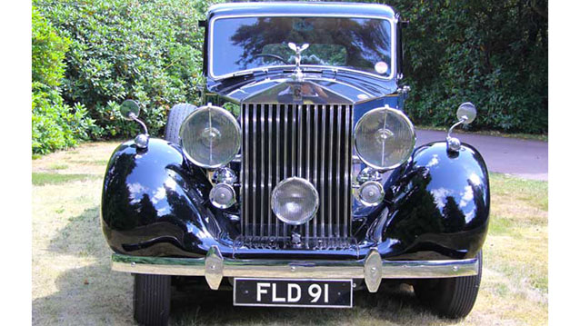 Rolls-Royce Wraith Limousine wedding car for hire in Eastleigh, Hampshire