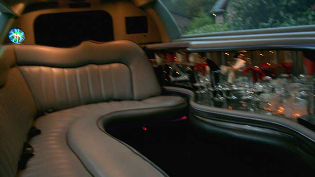 Lincoln USA 30ft 'Tuxedo' Stretch Limousine wedding car for hire in Exeter, Devon