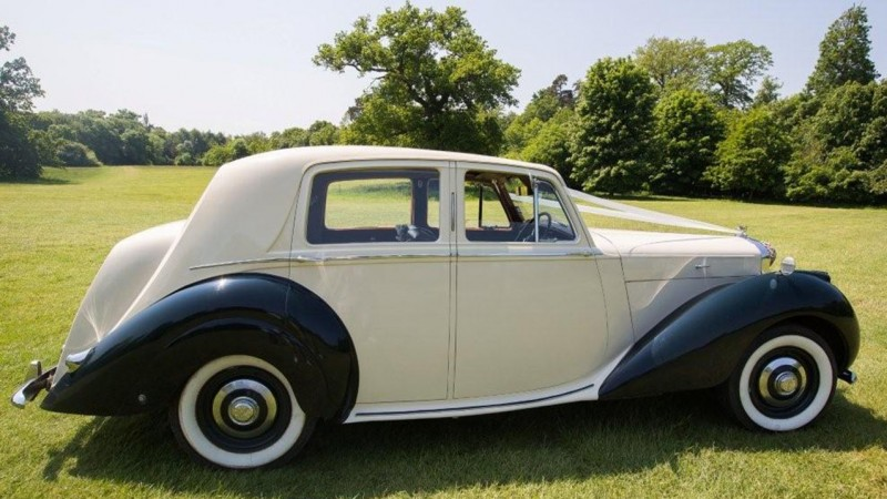 Bentley MK VI wedding car for hire in Marlow, Buckinghamshire