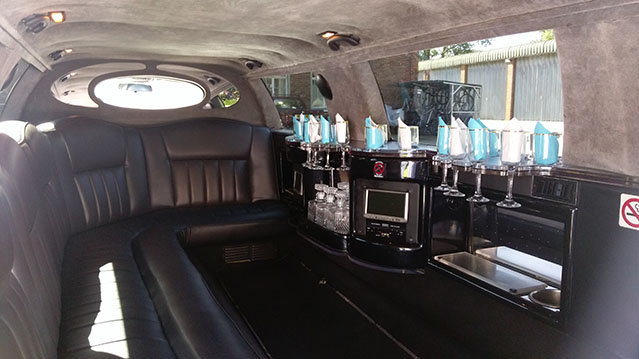 Lincoln 'Pzazz' 30ft Stretched Limousine wedding car for hire in Fareham, Hampshire