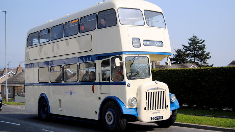 Classic Daimler Wedding Bus Hire In Newbury Berkshire