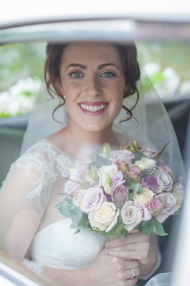 bride-in-wedding-car