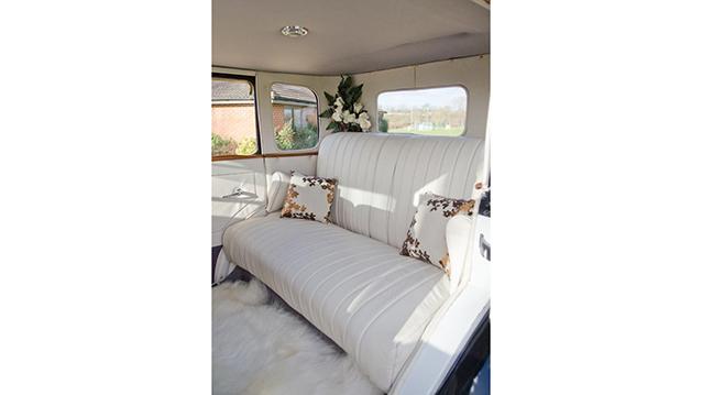 Citroen Saloon wedding car for hire in Milton Keynes, Buckinghamshire