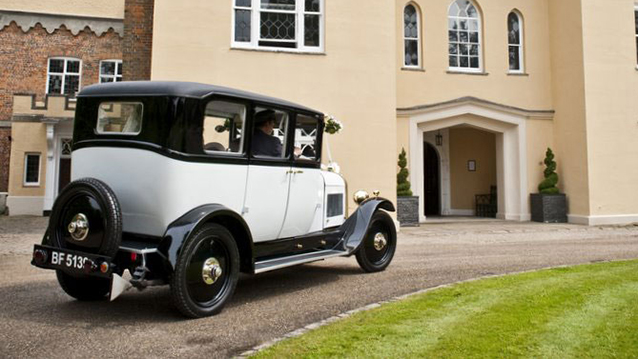 Citroen Deluxe Saloon wedding car for hire in Milton Keynes, Buckinghamshire