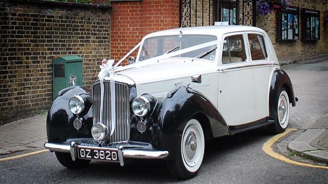 Bentley Mark VI wedding car for hire in London