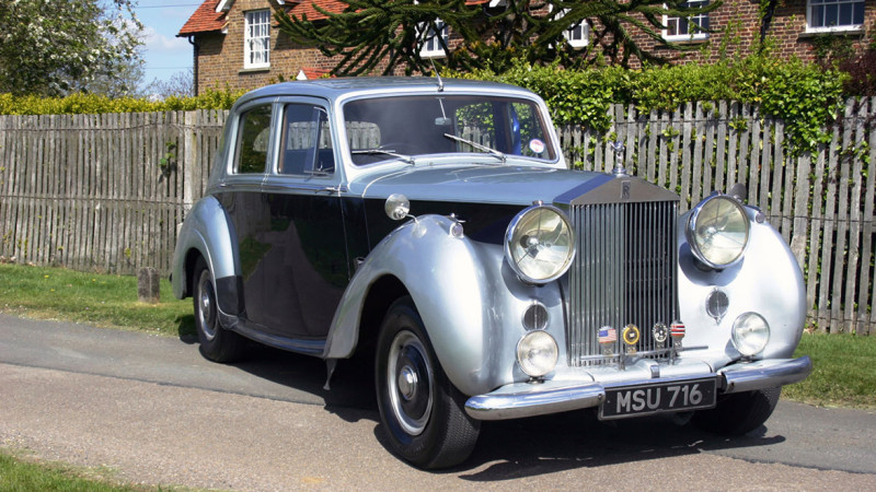 Rolls-Royce Silver Dawn wedding car for hire in Cobham, West London