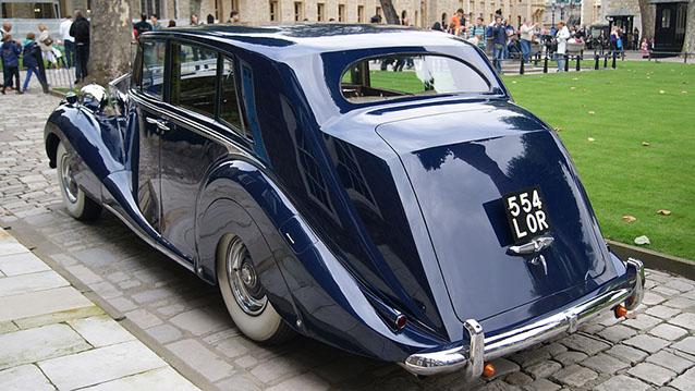 Rolls-Royce Silver Wraith wedding car for hire in Hatfield, Hertfordshire