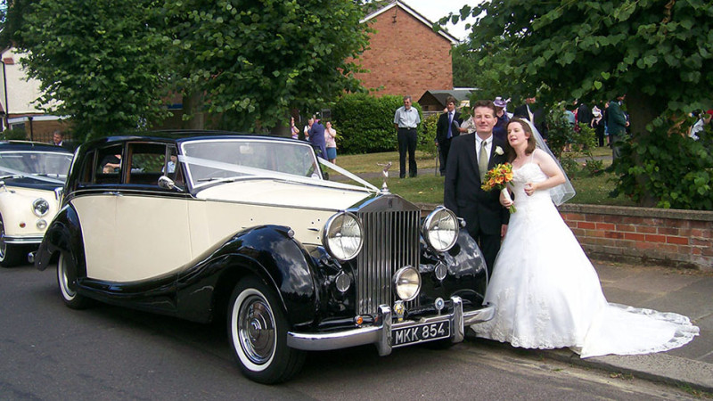 Rolls-Royce Silver Wraith wedding car for hire in Uxbridge, Middlesex