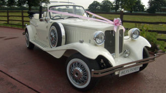 Beauford Convertible wedding car for hire in Hemel Hempstead, Hertfordshire