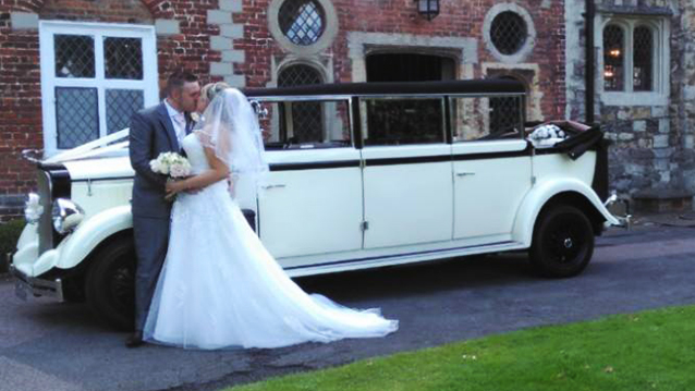Vintage Cowley Convertible Wedding Car Hire Greenhithe, Kent