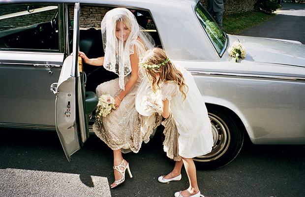 kate-moss-exits-wedding-car-beaded-chamagne-wedding-dress-full