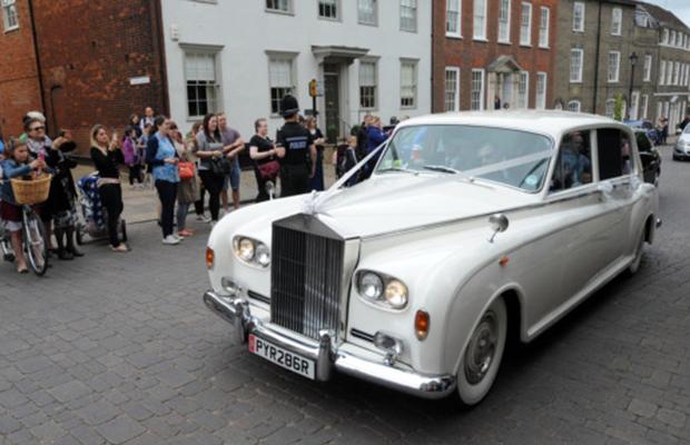 michelle-keegen-wedding-car-rolls-royce-silver-shadow