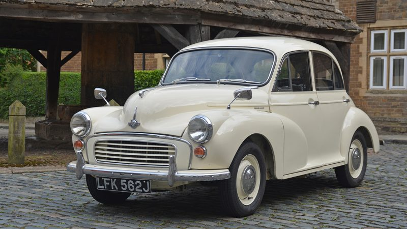 Morris Minor Saloon wedding car for hire in Leicester, Leicestershire
