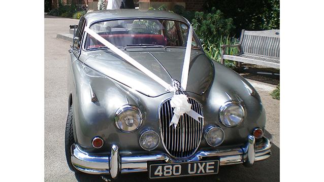 Jaguar MK II wedding car for hire in Henley-on-Thames, Oxfordshire