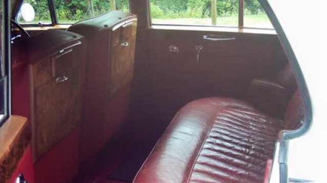 Rolls-Royce Silver Cloud II wedding car for hire in Wetherby, South Yorkshire