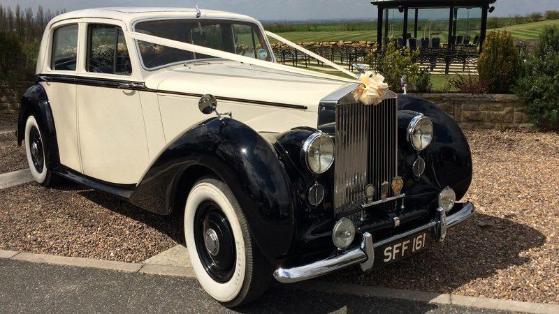 Rolls-Royce Silver Dawn wedding car for hire in Wetherby, South Yorkshire