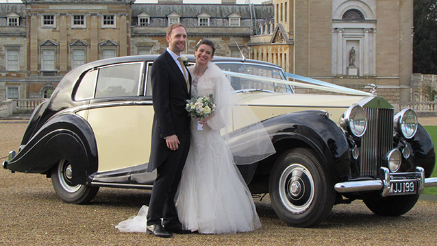 Rolls-Royce Silver Wraith wedding car for hire in Aylesbury, Buckinghamshire