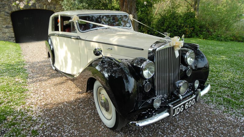 Bentley MK VI Hooper wedding car for hire in Wetherby, South Yorkshire