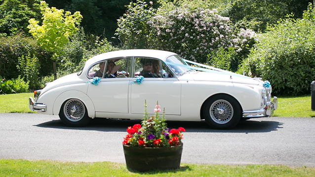 Jaguar MK II wedding car for hire in Bedford, Bedfordshire
