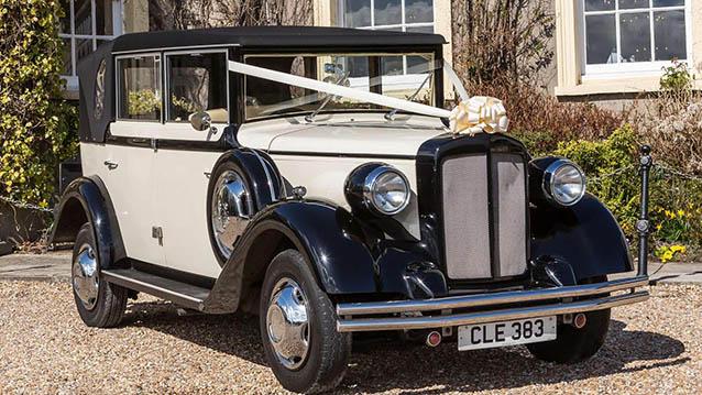 Regent Landaulette wedding car for hire in Kettering, Northamptonshire