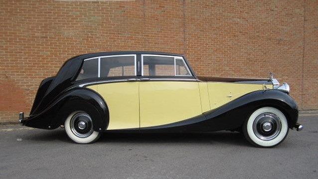 Rolls-Royce Silver Wraith wedding car for hire in Cobham, West London