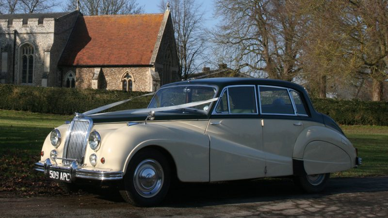 Armstrong-Siddeley Sapphire wedding car for hire in Royston, Hertfordshire