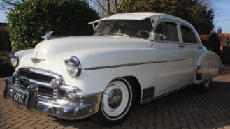 Chevrolet Styline Deluxe wedding car for hire in Richmond, West London