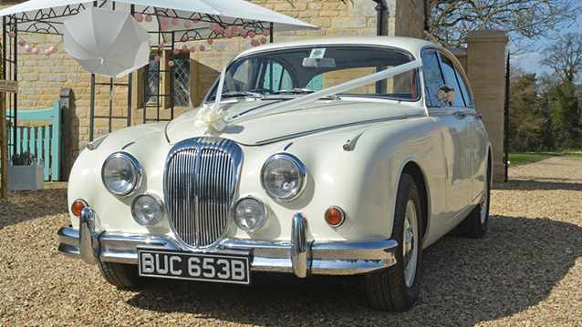 Daimler 250 V8 wedding car for hire in Leicester, Leicestershire