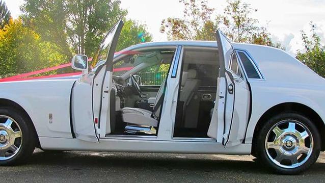Rolls-Royce Phantom wedding car for hire in Milton Keynes, Buckinghamshire