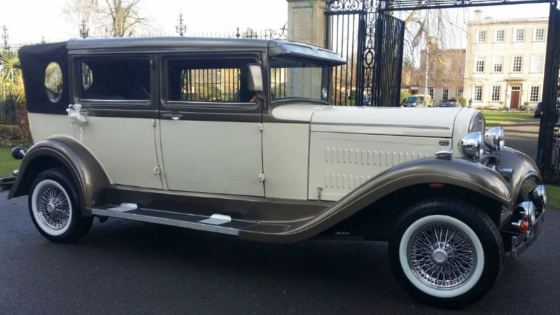 Brenchley Landaulette wedding car for hire in Kettering, Northamptonshire