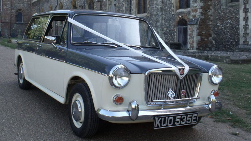MG 1300 MK II Estate wedding car for hire in Royston, Hertfordshire