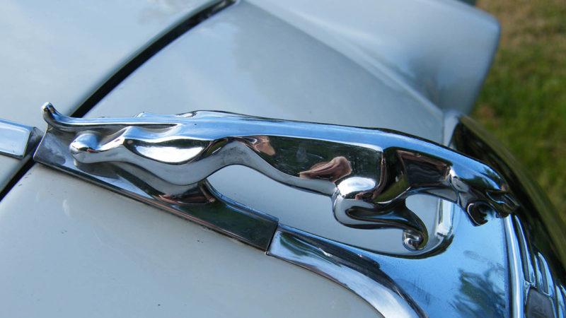 Jaguar 420 wedding car for hire in Leominster, Herefordshire