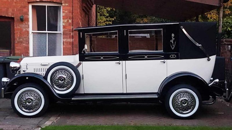 Imperial Viscount Landaulette wedding car for hire in Sleaford, Lincolnshire