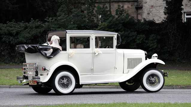 Badsworth Landaulette wedding car for hire in Chesterfield, Derbyshire