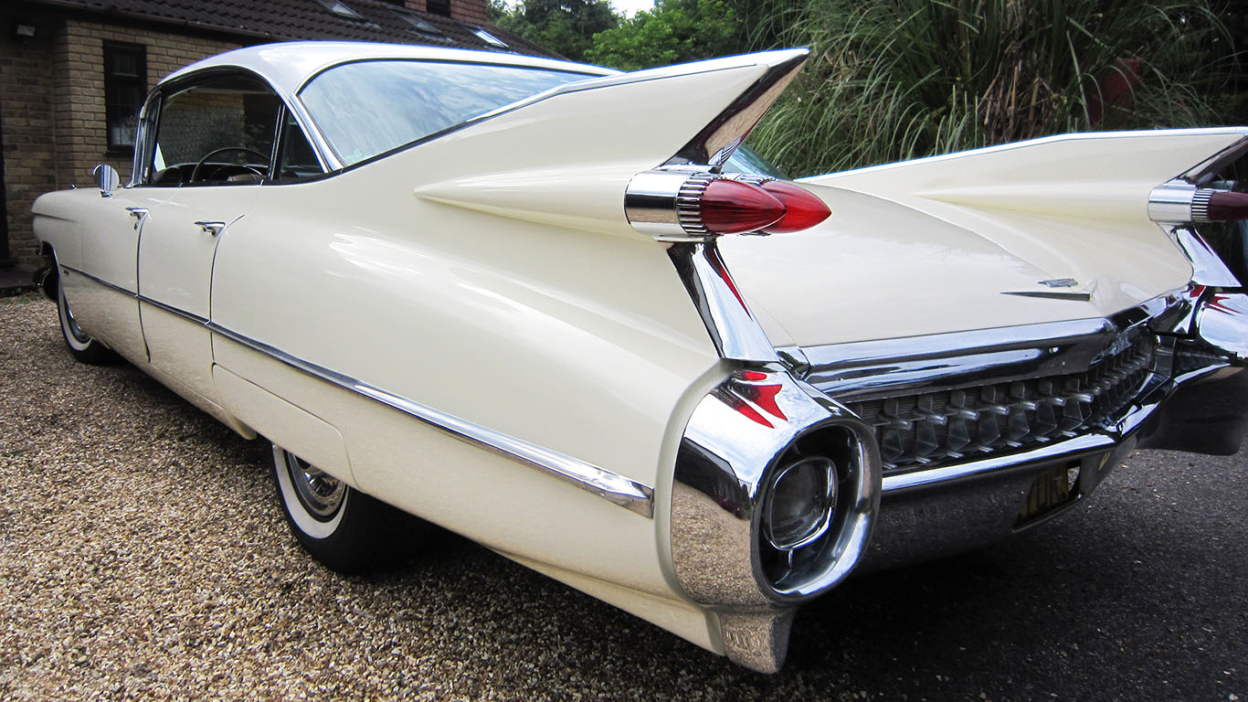 American Cadillac Wedding Car for Hire is in our Top 10 Most Popular Wedding Cars