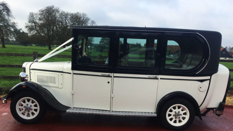 Asquith Saloon wedding car for hire in Hemel Hempstead, Hertfordshire