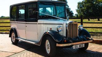 Asquith Saloon wedding car for hire in Hemel Hempstead, Hertfordshire