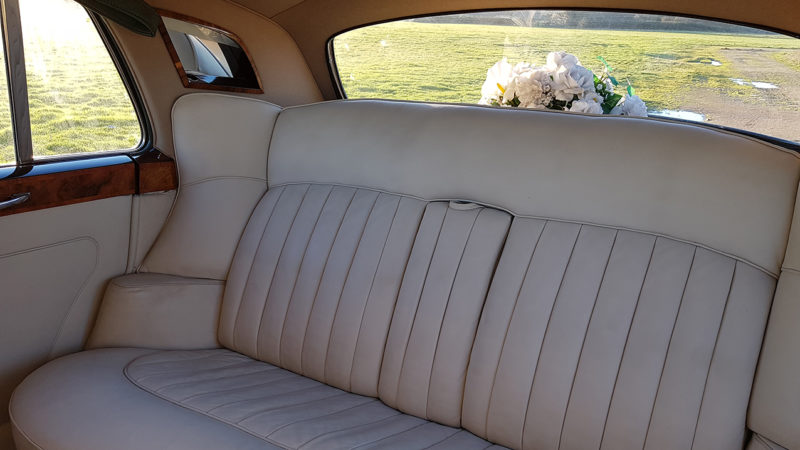 Rolls-Royce Silver Cloud III wedding car for hire in East London