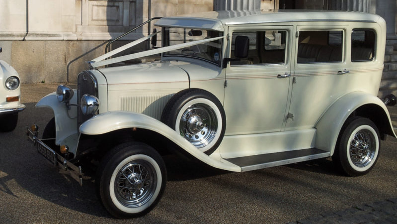 Barnsdale Saloon wedding car for hire in East London