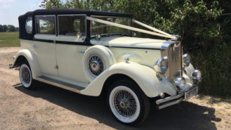 Regent Landaulette wedding car for hire in East London